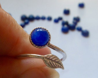 blue Sapphire ring, sterling silver,  feather ring, stacking ring, slim ring,  elegant  6mm cabochon, September birthstone, ring