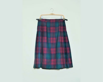 Vintage Pure New Wool Scottish Pleated Skirt size 40