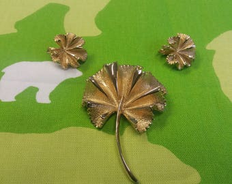 Vintage Autumn Winter Leaf Brooch and Earrings Set - Kitsch Chic Boho