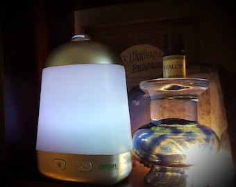 Essential Oil and Diffuser Starter Kit. 7 Essential Oils and Ultrasonic Spa Vapor Aromatherapy Set