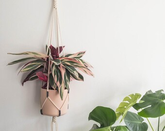 "Macrame Plant Pendant ""NR. 24"" | Handmade Pothanger/Modern macramé"