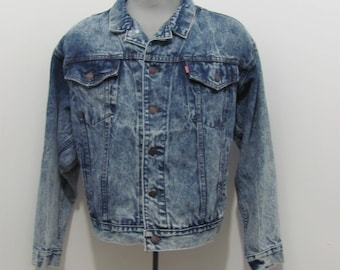 Vintage Levis Denim Trucker Jacket, Vintage acid wash denim jacket, Levis denim jacket Size Medium, Vintage Jacket, Vintage denim,