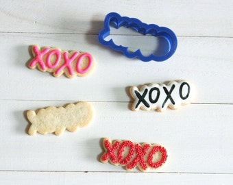 Hugs and Kisses cookie cutter