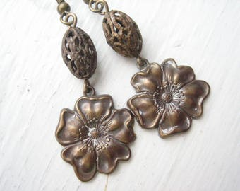 Antiqued brass earrings, Vintaj Brass earrings, bronze flower, filigree flowers, bronze filigree, Boho flower drops, Boho brass earrings