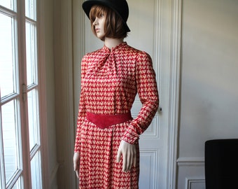 30% REDUCTION // 60s dress red ethnic print vintage dress mandarin collar cherry red gold beige pattern long sleeves chinese dress - XS