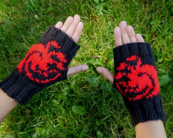 Game of Thrones House Targaryen Fingerless Gloves - Texting Gloves - Wristwarmers Black & Red Targaryen Dragon Hand Knit Fingerless Mittens