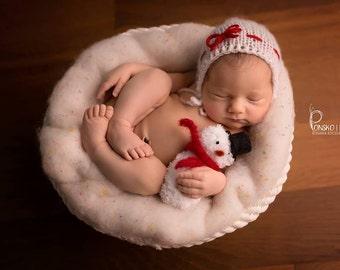 Hand Knitted Christmas Bonnet, Newborn knit Christmas Bonnet, Simple Bonnet, Newborn Christmas outfit, Newborn Bonnet, Christmas Hat