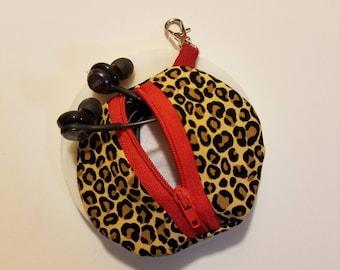 Earbud holder- Cheetah