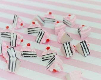 16mm Pink Strawberry Chocolate Cake Flatback Resin Decoden Cabochon -5 piece set
