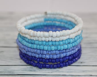 Blue stripes - glass beads memory wire bracelet