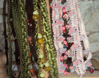 Choker necklaces of the neck Ribbon and beads