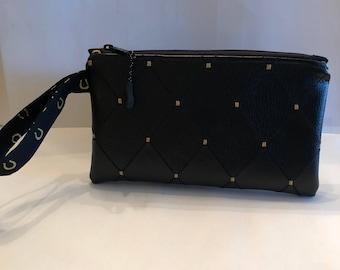 Diamond Pattern Black PU Leather Horseshoe Wristlet Purse