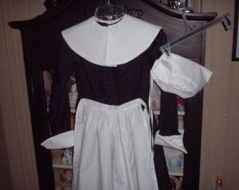 Ladies Pilgrim Reenactment Pioneer Costume