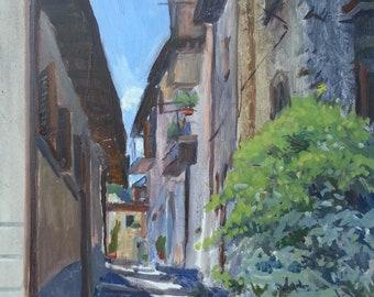 Luce estiva sugli scalini di un vicoletto a Tagliacozzo, Abruzzo,  Italia