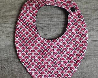 Red and white pattern 0-24 month bandana bib