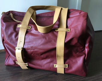 Overnight, weekend real leather bag.Strong thick straps, easy access,fully lined with adjustable straps.Handmade large leather overnight bag