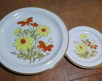 Bonnie-Fleur by Excel, 70s Stoneware Platter and Bread Plate, Hand Painted, made in Japan