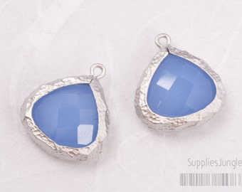F120-MS-RB // Matt Silver Hammered Rough Framed Royal Blue Faceted Glass Stone Pendant, 2Pc