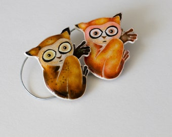 Tarsier brooch brown  animal brooch brown tarsier brooch  frightened tarsier brooch gift for woman gift for her clothes gift