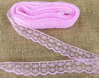 Beautiful light pink lace 2 cm wide