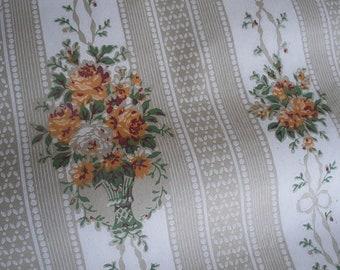 Antique wallpaper (D)