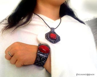 Jewelry: Necklace + fantastic medieval inspired Bracelet set. Cosplay