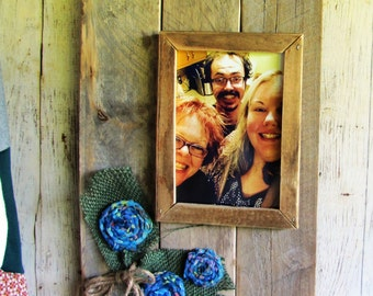 A 5 x 7 Handmade Rustic, Reclaimed Wood,  Picture Frame, Country floral embellished. (051415)