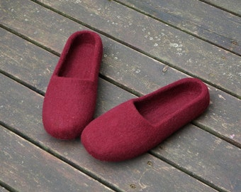 Felt slippers women 25 colors Felted clogs Women slippers Eco slippers Women shoes  Felted wool shoes Felted slippers Home Women clogs