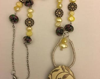 Cultured pearl necklace with lovely pendant