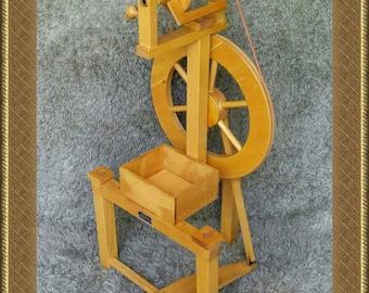 Vintage Spinning Wheel | Germany 1980s | Single Treadle | Spinnrad | Spinner | Wood | Spool Bobbin | Arcolaio Rouet Rueca | FREE Shipping*