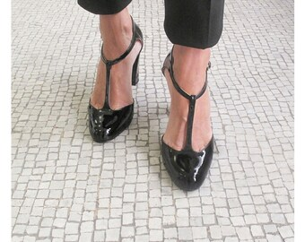 T strap black leather shoes, Black patent leather t strap heel, Handmade in Italy pumps, Black leather Women pumps, Justine