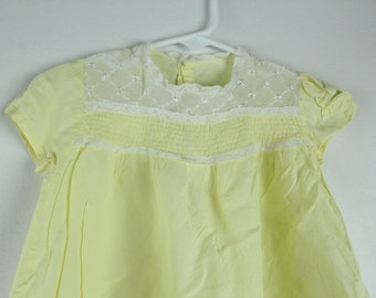 Vintage ellow and Lace baby dress - Or Doll Dress. Small Yellow 1960s Dress