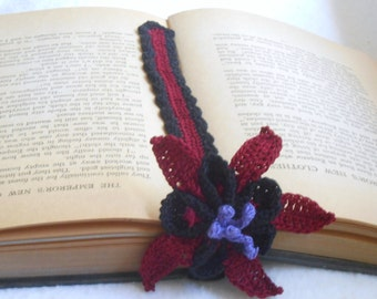 columbine bookmark thread crochet, floral bookmark, black, burgundy and purple thread, gothic style, dark columbine bookmark, irish crochet