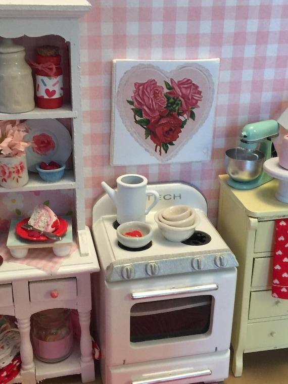 "Miniature Canvas Vintage Style Valentine Heart Art 2"" x 2"""
