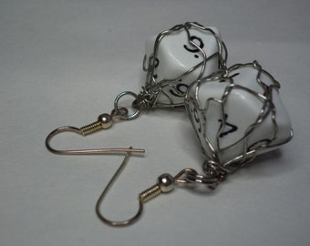 Wire Wrapped White Ten Sided Dice D10