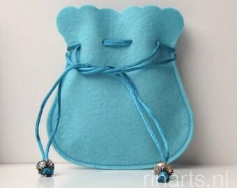 Drawstring bag / drawstring pouch / drawstring purse in light blue wool felt.  Gift under 10.  Gift bag. Favor bag