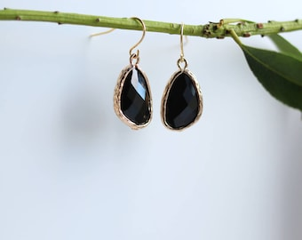 Onyx Earrings - Gold Dangle Earrings - Stone Earrings - Drop Earrings - Birthstone Earrings - Black Earrings - Onyx Jewellery