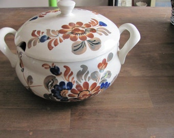Vintage FAJANs Polish Pottery Large Soup Tureen With Lid Signed Q34 Excellent Condition