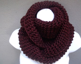 Burgundy Chunky Knit infinity scarf in dark claret / burgundy or SELECT COLOR, soft and warm