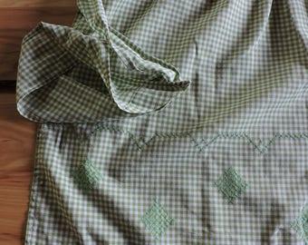 Vintage Gingham Apron, Vintage Green Gingham Apron, Cross-stitched Vintage Gingham Apron, Green Cross-stitched Apron