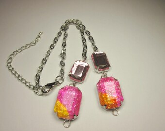 4 cabochons colored acrylic with metal (033) chain