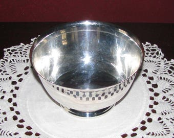 Wm Rogers 5-inch Paul Revere style silver bowl