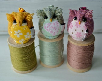 Owl Keychain, Harris Tweed,Mint Green,Cherry Pink,ButtercupYellow Wool and flannel