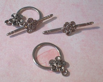 Toggle Clasp, Flower, Antique Pewter, Lead Free, 22X28mm, 2 Sets   no. 0990
