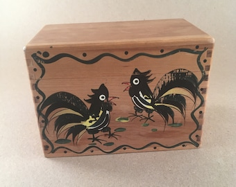 Vintage Woodpecker Wood Ware Recipe Box 1950s Collectible/Rustic/Country Farmhouse/Rooster Recipe Box/Japan/Kitchen Rooster