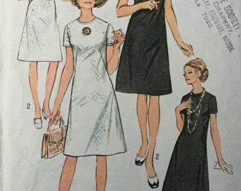 Sewing Pattern for evening dress - shift dress pattern -  Jiffy Dress  Pattern, Size 14 1/2, Bust 37 - dress pattern - vintage pattern