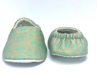 6-9mo RTS Baby Moccs: NYC Art Deco Architect / Crib Shoes / Baby Shoes / Baby Moccasins / Vegan Moccs / Soft Soled Shoes / Montessori Shoes