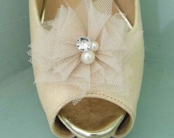 Beautiful Deeree Light Coffee Netted Shoe Clips with Pearl & Diamante Centre