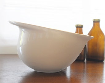 Large Ceramic Mixing Bowl in Cream
