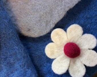 Hand made  Felt Shoulder Bag - Girls shoulder bag - flower bag - Blue
